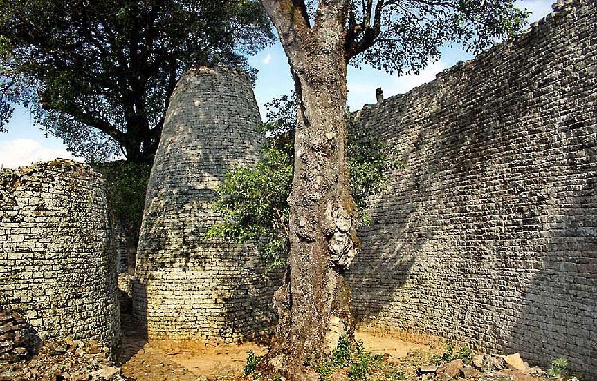 Great Zimbabwe, pierres de mystère